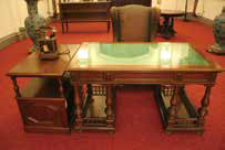 Original desk and chair used by the Bank's former governor