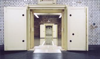 [Original Outer Door of the Vault] & Virtual tour of the Bank of Japan (Old Building : Original Outer ...